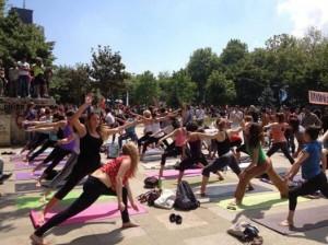 Yoga in Gezipark, 3 juni 2013.